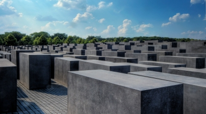 https:::commons.wikimedia.org:wiki:File:Memorial_to_the_Murdered_Jews_of_Europe_(566295389)