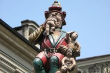 http:::strangesounds.org:2014:11:kindlifresserbrunnen-the-terrifying-child-eater-of-bern-mystery.html
