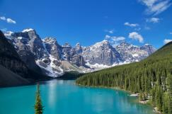 https:::www.booking.com:hotel:ca:moraine-lake-lodge.html