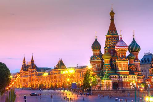https:::www.lonelyplanet.com:russia:moscow:travel-tips-and-articles:moscows-red-square:40625c8c-8a11-5710-a052-1479d277169d